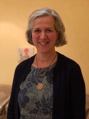 Birgitt Duckheim Dipl.-Päd./Sprachtherapeutin, Heilpraktikerin für Psychotherapie, Klangtherapeutin, initiierte Schamanin, Ausbilderin in Klang und in der Philosophie der Inkas